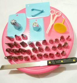 Paket Peralatan Kue Untuk Dekorasi Kue PPK044 adalah Paket dekorasi kue dengan spuit paling lengkap.