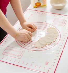 Silpat Silikon Alas Giling Adonan Kue ini terbuat dari Silicone dapat untuk adonan roti dan fondant. Bahan silicone food grade.