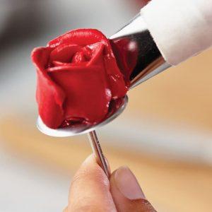 Paku Mawar Dan Gunting Mawar Untuk Menghias Kue Tart ini merupakan alat bantu saat anda membuat hiasan bunga mawar dari butter cream. (2)